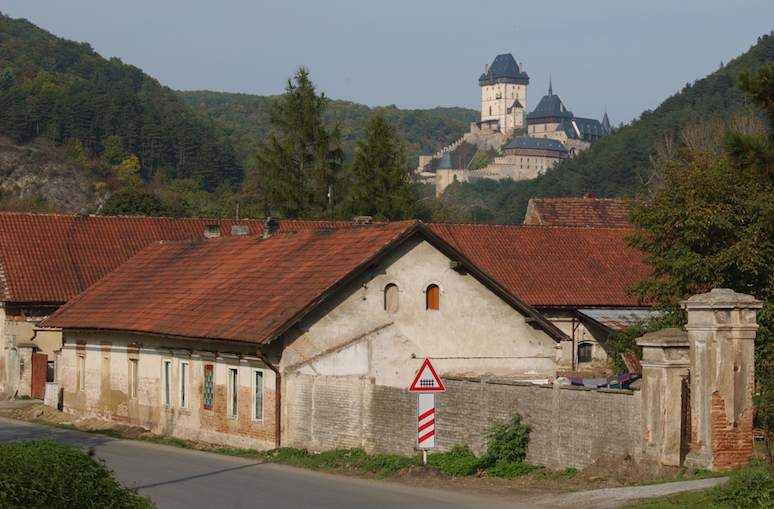 Quick & Easy Getaway from Prague - Beroun & Karlštejn