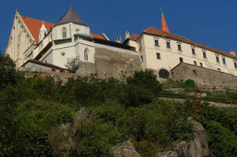 Visit Znojmo - Deep Red Wines & Dark Brown Cliffs